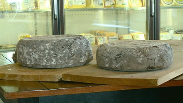 FDA backpedals on cheese board ban