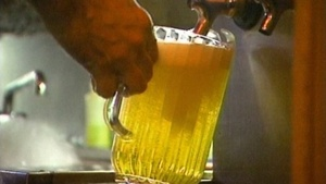 Lawmaker wants drinking age dropped to 18