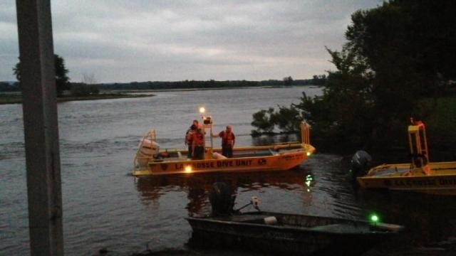 4 boaters rescued after boat takes on water