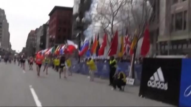 Runners remember one year after Boston Marathon bombings