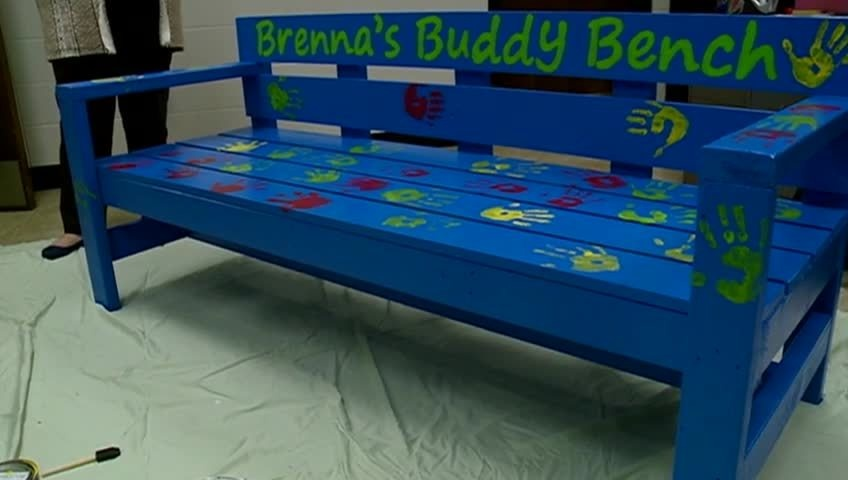 La Crosse girl helps raise funds for 'buddy bench' at her school