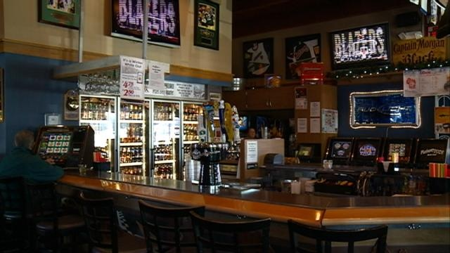 Business owners get creative to bring in big crowds for Super Bowl