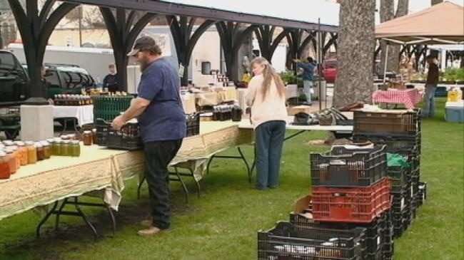 Friday night farmers market opens at Cameron Park