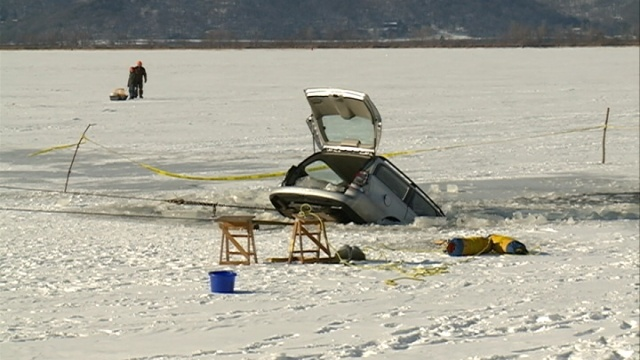Car submerged in water is cautionary tale for ice safety