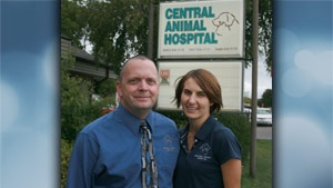 Local veterinarians receive award from Wisconsin Professional Police Association