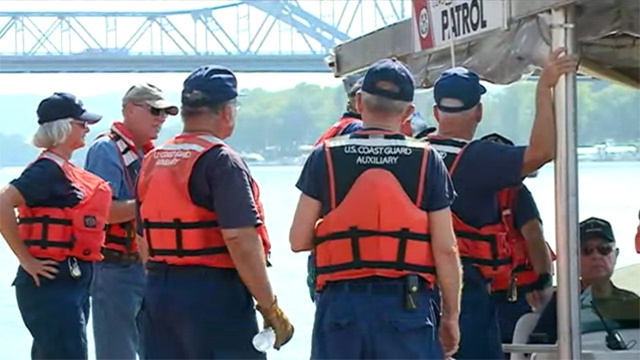 Coast Guard members from 12 states in La Crosse for training