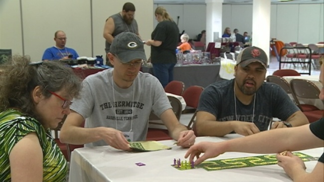 Second annual CouleeCon opens in La Crosse