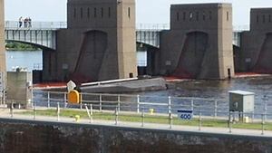 Sen. Tammy Baldwin supports funding for Mississippi River locks and dams
