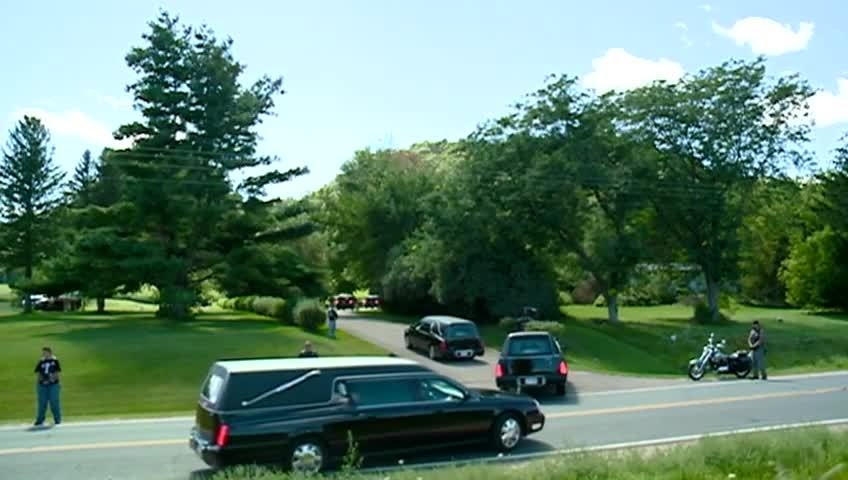 Family of 8 killed in Texas laid to rest in La Crescent