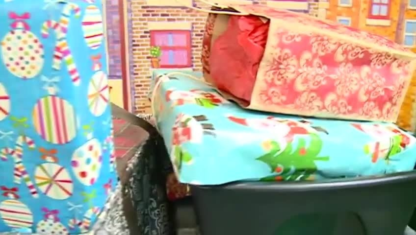 Students brighten the holidays for young cancer patients in La Crosse