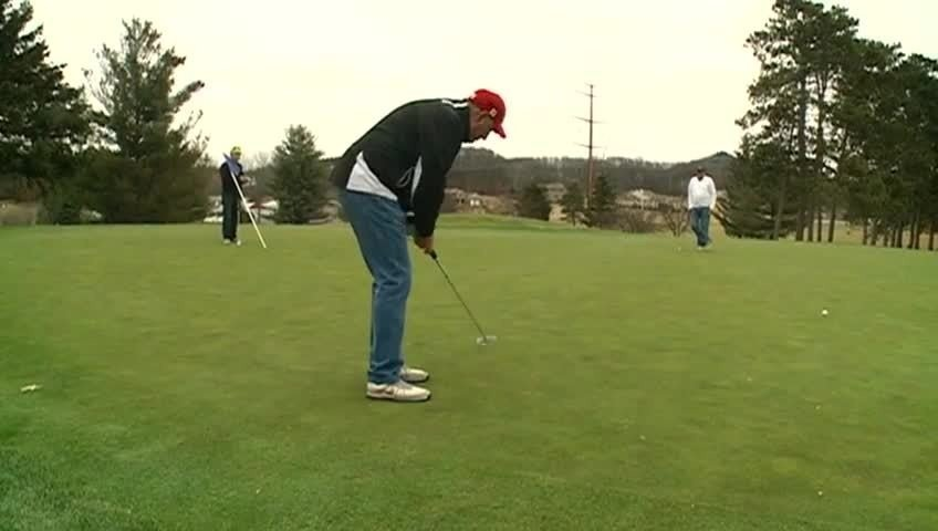 Area golfers hit the links in mid-December