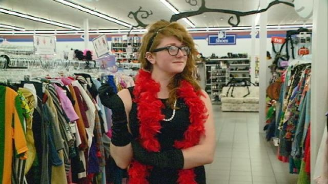 Goodwill providing 'costume consultants' for Halloween