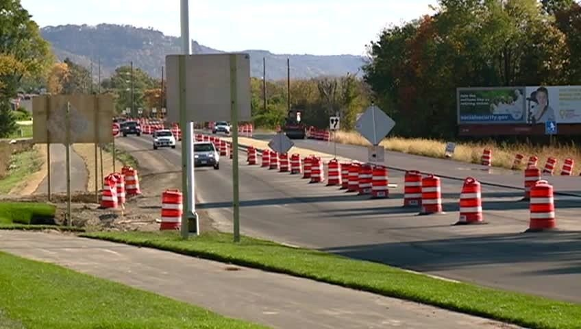 Hwy. 35 lanes closed for paving