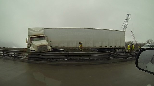 WB I-90 lanes reopen after Dresbach Bridge semi crash