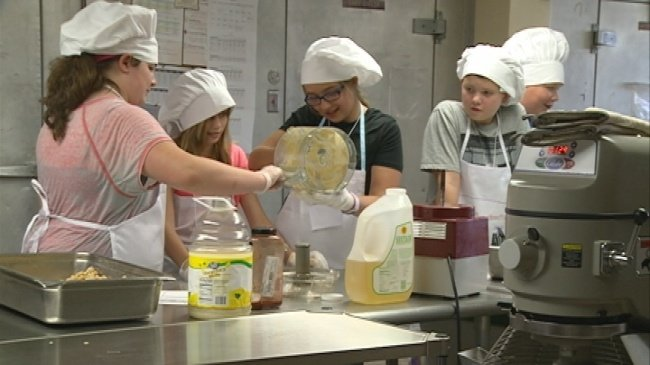 Kids' Culinary Academy kicks off at UWL