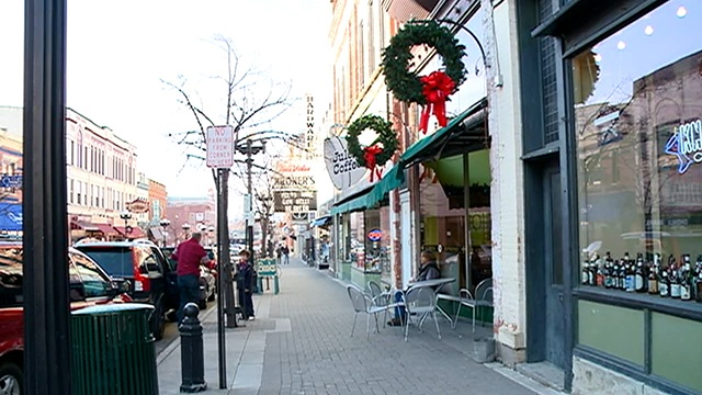On Small Business Saturday, employers highlight buying local
