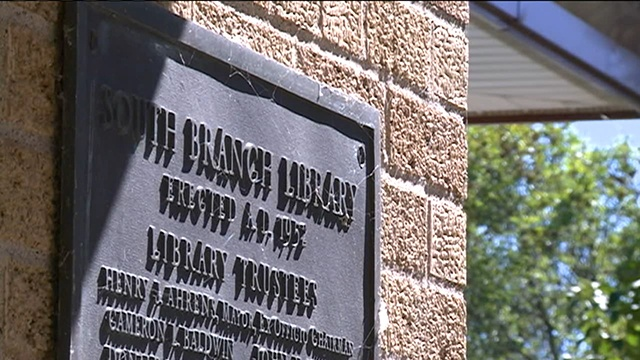La Crosse Library Board votes to cut hours at two branches