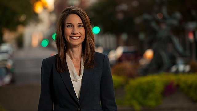 WKBT news anchor steps down from News 8 at Six; Remains anchor of News 8 at Five