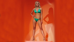 Miss Onalaska wins Lifestyle and Fitness in Swimsuit prelim competition