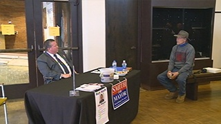 La Crosse mayoral candidates talk to voters one-on-one