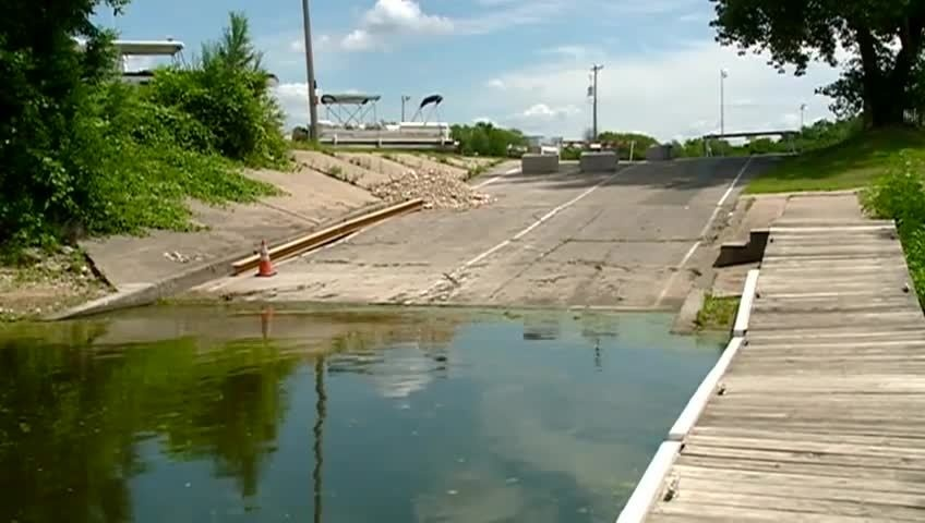 High river levels delaying work on La Crosse municipal boat landing
