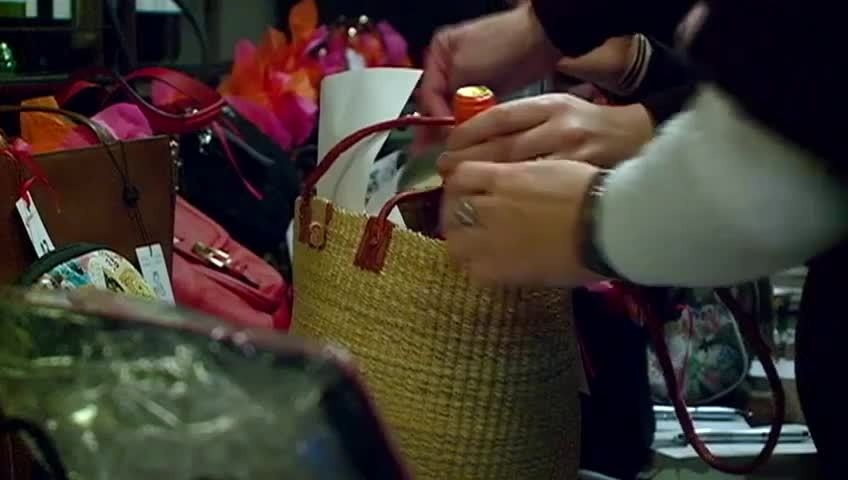 """Women's Fund hosts first-ever """"Purses with Purpose"""" fundraiser"""