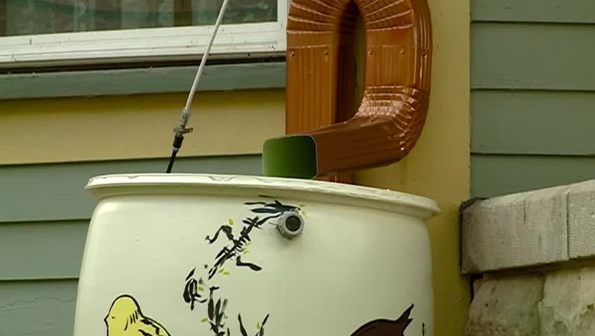 Rain barrels being put to good use in La Crosse's Washburn neighborhood