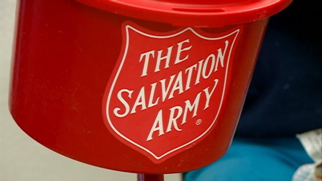 La Crosse mayor volunteers for Salvation Army's Red Kettle Campaign