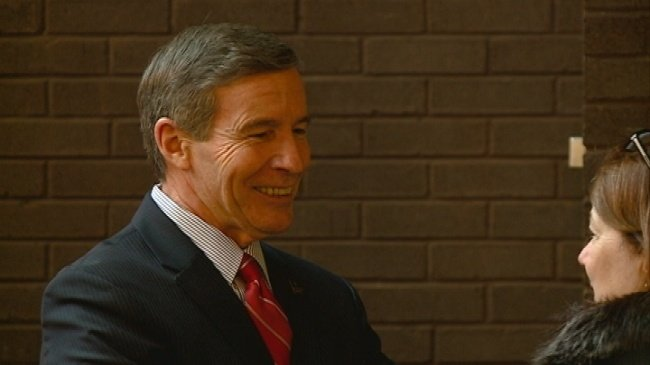 Viterbo throws retirement party for departing president