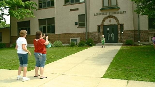 Bell rings for final time at Roosevelt Elementary