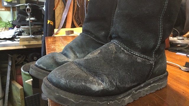 How to remove salt stains from winter boots