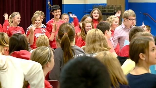 Sparta students highlight anti-bullying message with flash mob