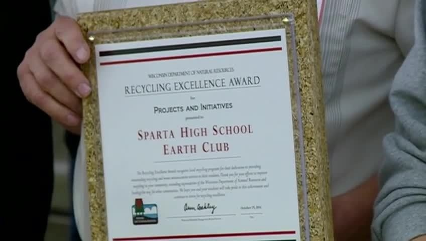 Sparta H.S. Earth Club gets state honor for recycling efforts