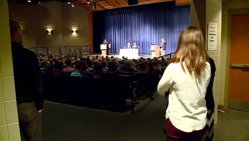 West Salem senior hosts State Assembly debate