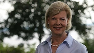 Baldwin hopes for Obama boost in Senate race