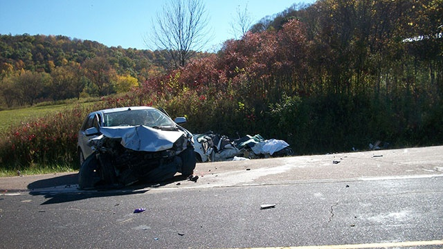 5 people injured in Vernon County head-on crash