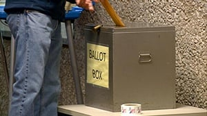 More than 545,000 voters requested absentee ballots in Wis.