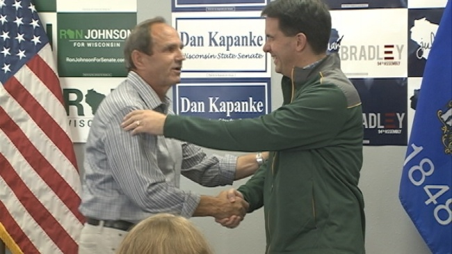 Gov. Walker urges voters to turn out during La Crosse stop