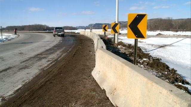 Temporary barricades now in place at Winona crash site