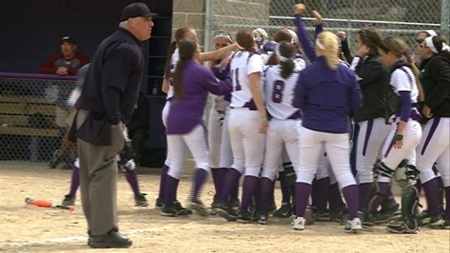 Winona State enters postseason on 20-game win streak