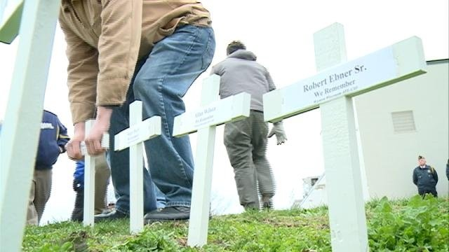 Memorial service held in La Crosse for fallen workers
