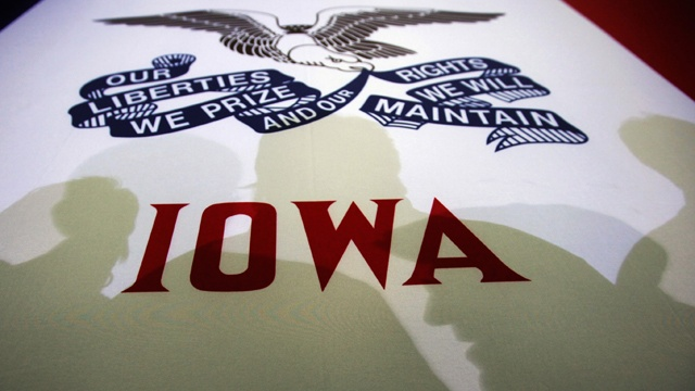 Time ticks down for candidates in Iowa