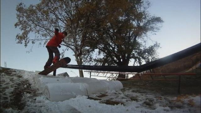 Galesville family takes advantage of cooler temps and makes snow