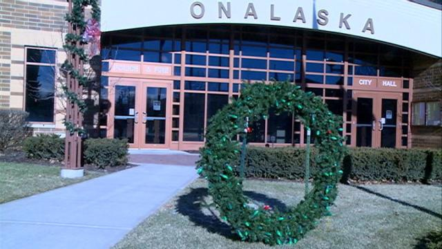 Fewer red bulbs in 'Keep the Wreath Green' Campaign