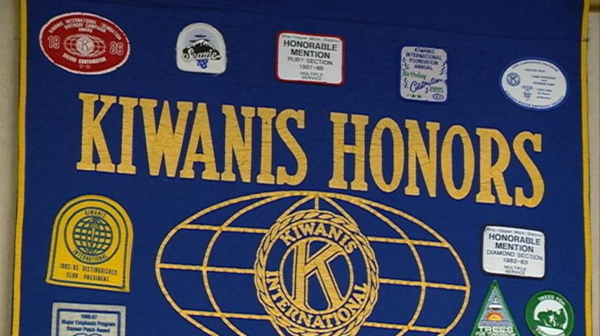 La Crosse Kiwanis Club celebrates 10 high school seniors for their achievements