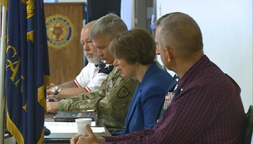 Klobuchar promotes Guard and Reserve legislation