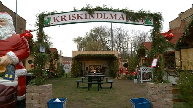 Sparta Kriskindlmarkt celebrates holidays in traditional German spirit