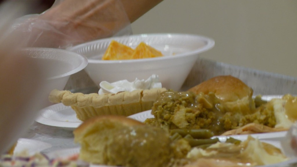 Thousands enjoy meal, community at La Crosse Community Thanksgiving Dinner