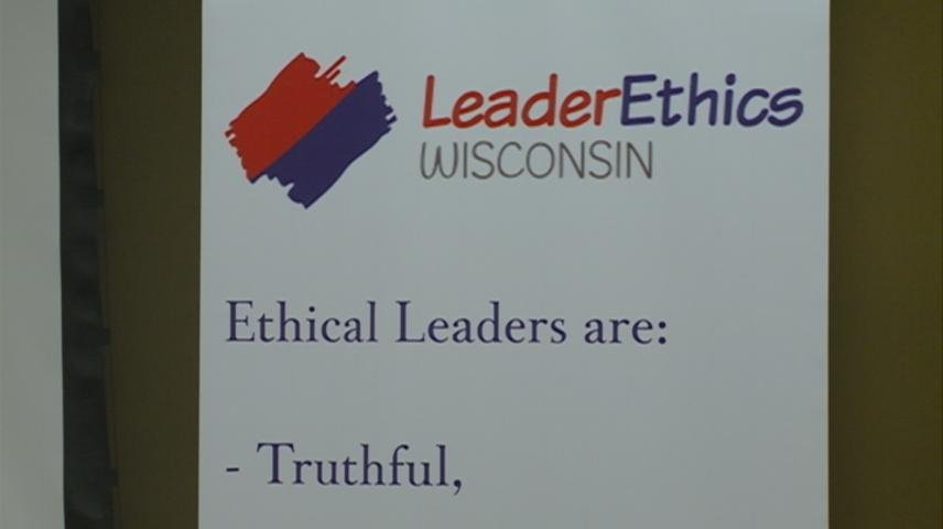 Former Wisconsin Senator speaks about divisiveness at La Crosse's LeaderEthics meeting