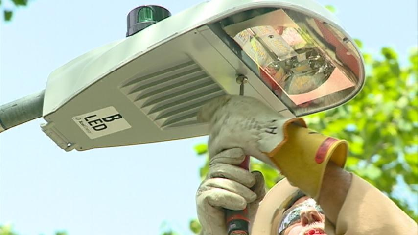 Xcel Energy replacing city lights with LED bulbs